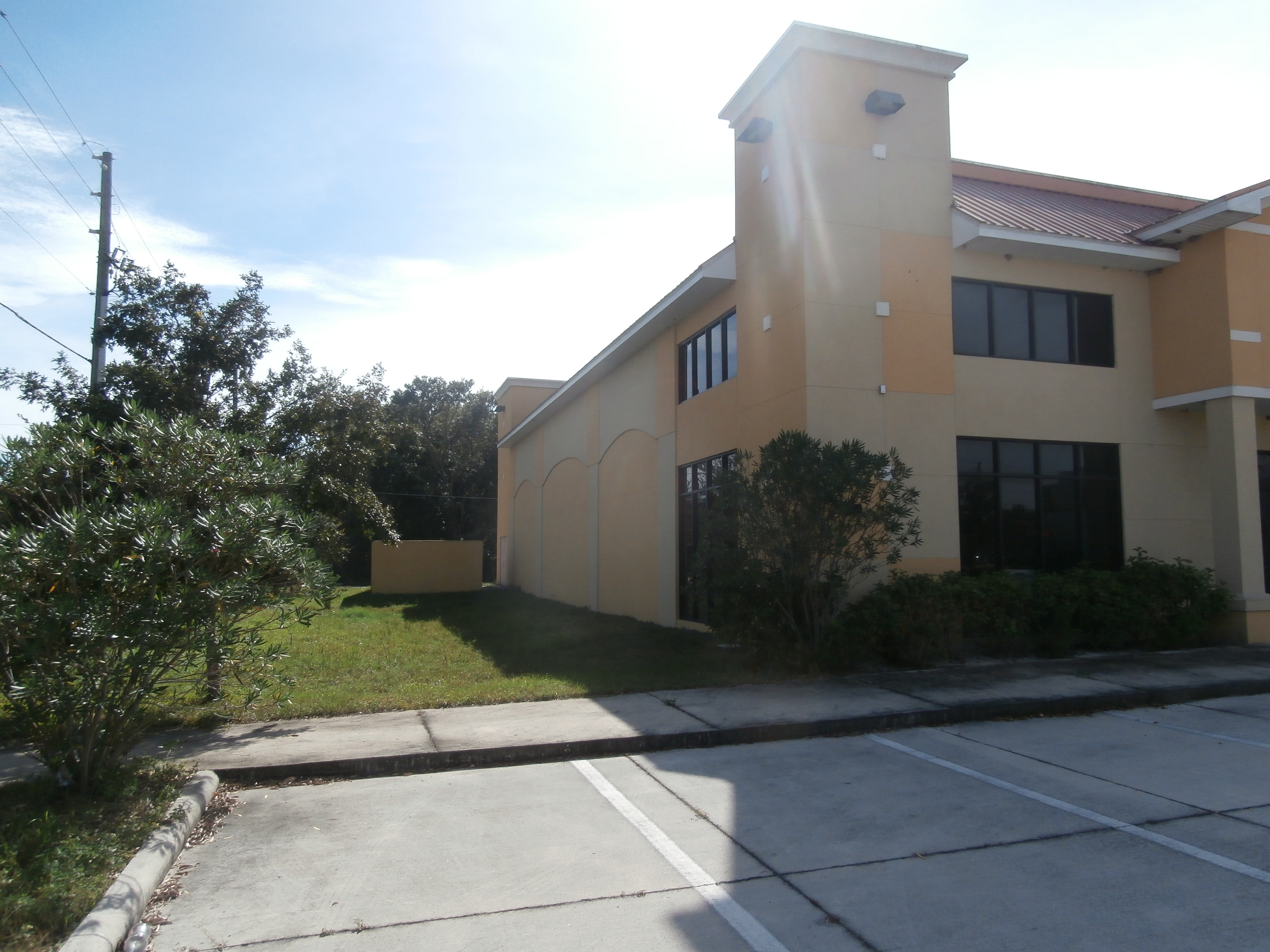 brand new 5 800 sqft commercial building w colonial u0026 winter